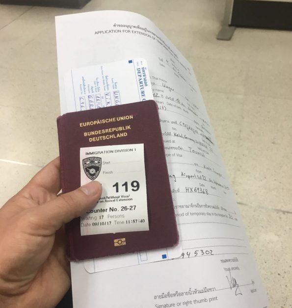 Visa für Thailand verlängern Warteraum Bangkok Immigration