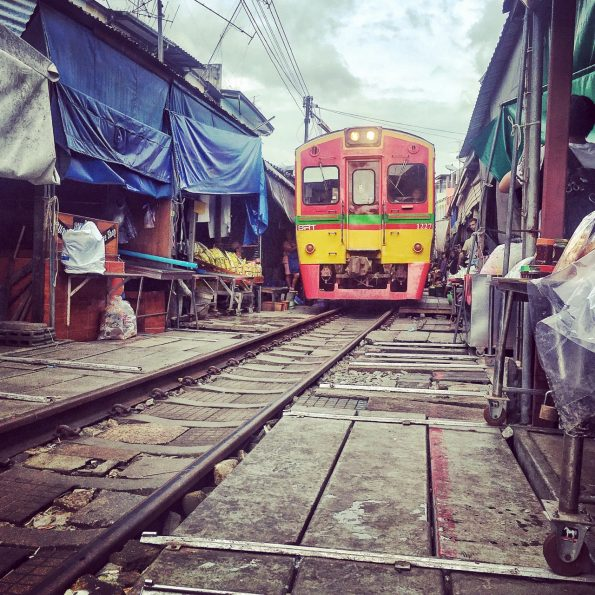Mae Kong Railway Market