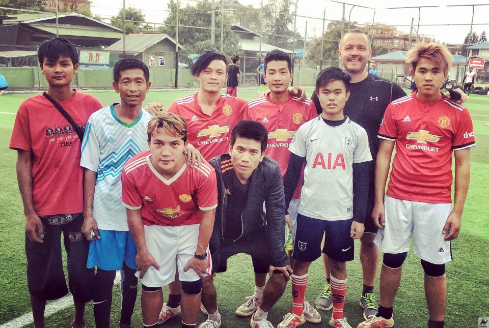 Kleinfeld- Fussball in Nyaung Shwe
