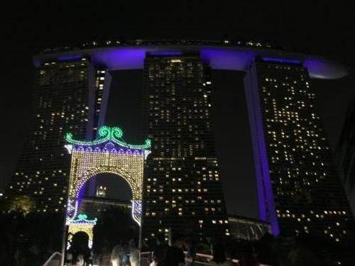 Marina Bay Hotel Singapur bei Nacht